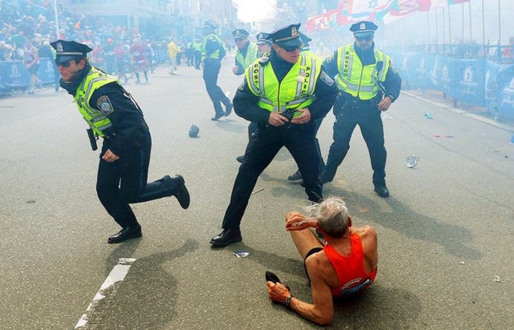 Fallen runner and police officers