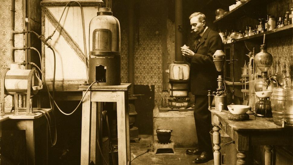 Laboratory of Jovillet Castilot, 1880